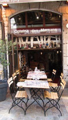 Lyon, Bouchon lyonnais quartier vieux lyon