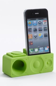 iPhone 4 & 4s Stand & Amp