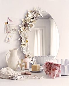 Flower vanity mirror DIY idea