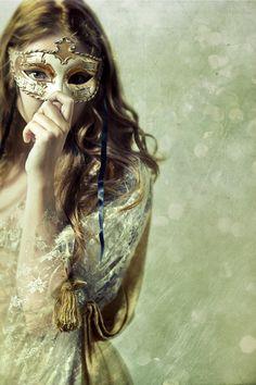 Love the masquerade!!