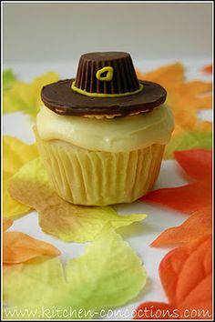 Pilgrim Hat Cupcakes #Thanksgiving #dessert #recipe