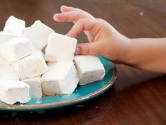 sweet, marshmallows2 homemad, food, homemade marshmallows, yummi, recip, homemad marshmallow, homemade kids treats, dessert