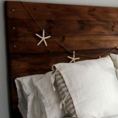 {DIY Reclaimed Wood Headboard!}