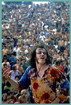 Joe Cocker and the crowd at Woodstock