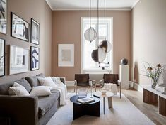 Beautiful nude pink living room - COCO LAPINE DESIGN