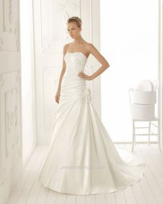 Aire Barcelona Bridal Gown Style - Valkiria