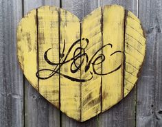 $24.95 Shabby Chic Handmade Reclaimed Pallet Wood LOVE Heart Wall Hanging Distressed Chalk Paint