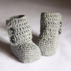 crochet baby boots! i love it!