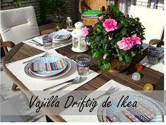 Decorar la mesa con una vajilla étnica llena de color