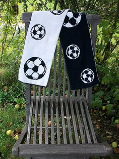 Ravelry: Soccer-Scarf, free pattern by Tina13