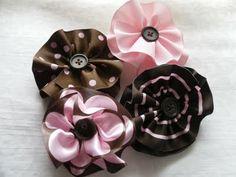 ribbon flower tutorial from Sweet Magnolia Way blogspot