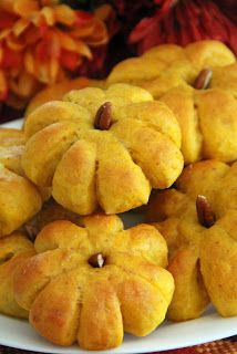 Pumpkin Dinner Rolls. So cute, so light and fluffy, so tasty. Perfect for Thanksgiving or any Fall dinner party.