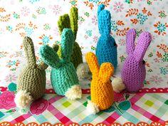 Free #crochet Pattern: Easter Egg Bunnies