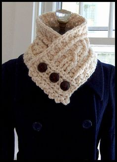 @Anita Locher - this is the crocheted cowl. I have the pattern from a crochet calendar. Ravelry: The Fisherman's Wife pattern by Kalurah