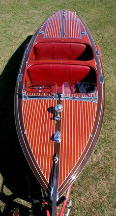Antique 1940 19' Chris-Craft Barrel Back Custom Runabout