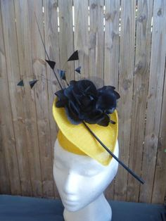 Yellow and Black sinamay Fascinator TINA WHITE (WHITEBEA MILLINERY) #millinery #hats #HatAcademy