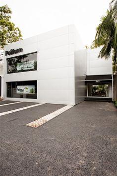 Poliform Flagship Store, San Paolo, 2011