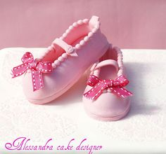 shoe topper, girl shoe, cake design, alessandra cake, baptism cakes, pink, girls shoes, sugar shoe