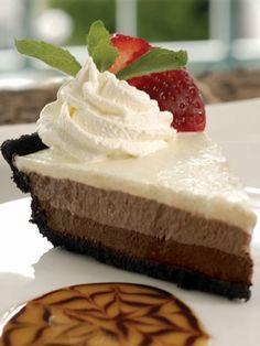 ¡Cheesecake de tres chocolates! Confecciona esta receta de Splenda: http://www.sal.pr/?p=84217