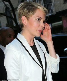hairstylehair color, michell william, edgy haircut, new haircuts, short hairstyles, undercut hairstyles, hair style, asymmetr haircut, michelle williams