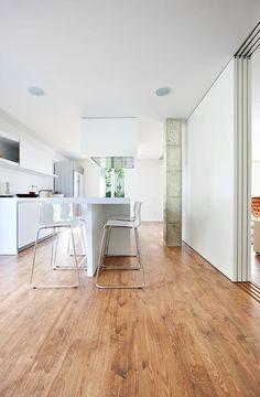 Bonanova Apartment by Marià Castelló Martínez