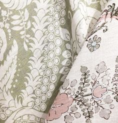 Printed linens in a