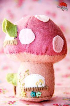 fairi mushroom, mushroom hous, hous pincushion, felt fairi, felt fairy house