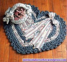 Una alfombra muy romántica.....de totora.