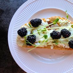 Lunchtime: Tuscan Toast with Goat Cheese, Pea Shoots and Blackberries