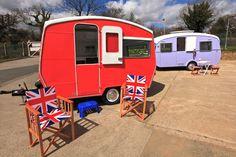 Beach Hut Vintage Caravan | Breathing life back into beautiful old retro style caravans
