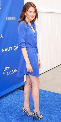 Aimee Teegarden- love this color
