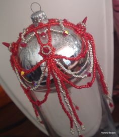 Spike Beads Christmas Ornament (Ball ornament) (Tutorial in youtube)
