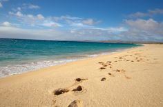 Footprints at Papohaku #Beach #gohawaii