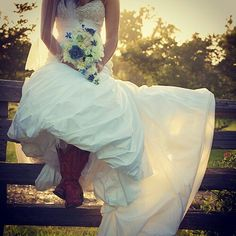 Country Bridal shoot On the fence