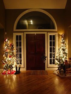 christmas gift ideas, front door, christmas decorations, christma decor, christmas lights, christmasdecor christmasfood, christma christmasdecor, entryway, christmas gifts