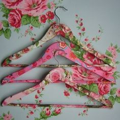 decoupage old wooden hangers as gifts, oh this would be an easy project and I would keep them!