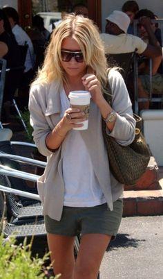 Ashley Olsen Ashley Leaving Urth Cafe in Hollywood June 23 2005