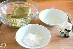 faire d'un pain de savon un savon liquide exemple ici:  un liquide a vaisselle avec du savon de Marseille
