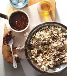 Healthy Popcorn Recipe: with olive oil, sea salt and drizzled dark chocolate -- so trying this for our next family movie night (YUM!!!)