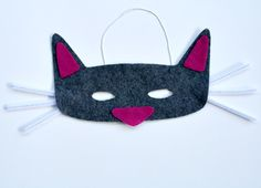 Cat Mask...easy mask craft for pretend play or story retelling