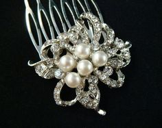 Vintage Style Pearl and Rhinestone Hair Comb /  wedding hair comb bridal rhinestone hair comb pearl hair comb art deco
