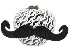 Duck Tape® Mustache Pumpkin #halloween #craft #pumpkin #ducktape