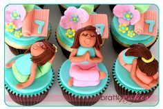 Yoga Cupcakes! I so want these for my next birthday!
