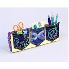 Show the kids how they can recycle and get organized too with this Pocket Organizer craft from www.freekidscrafts.com