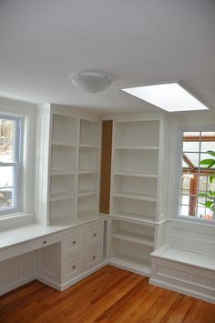 Built-ins.  I wish I could get this in my sewing room!