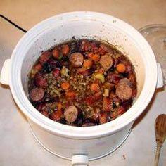 Linzenschotel met worst uit de slowcooker recept - Recepten van Allrecipes