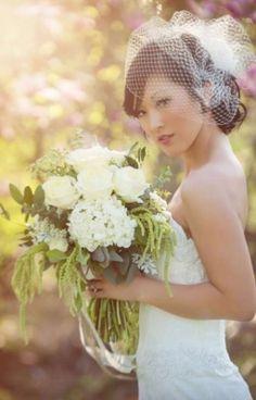 LOVE this veil! Large Birdcage $130  #wedding #veil #ivory #birdcage