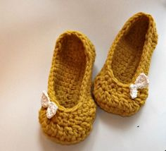 Crochet slippers for women, thick luxury yellow wool with bow 9 10