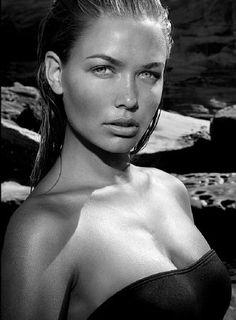 Fresh Aussie Lara Bingle.