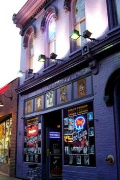 My favorite bar in the world...Tootsies in Nashville!!